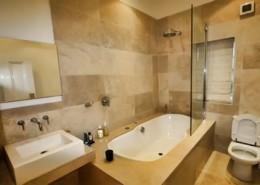 modern bath remodeling